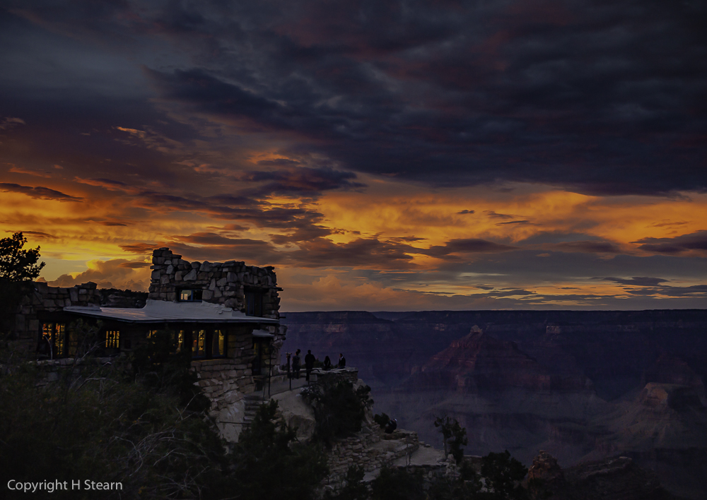 Brilliant sunset over Lookout Studio at Grand Canyon