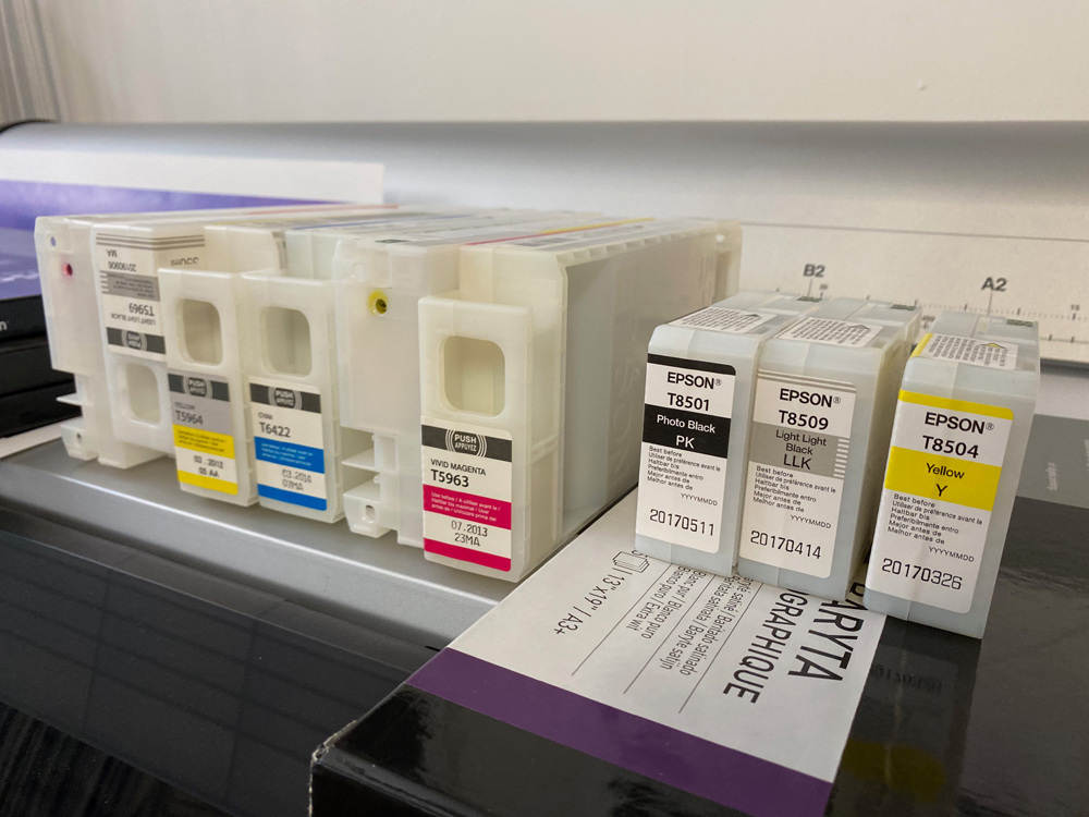 A lot of spent ink cartridges