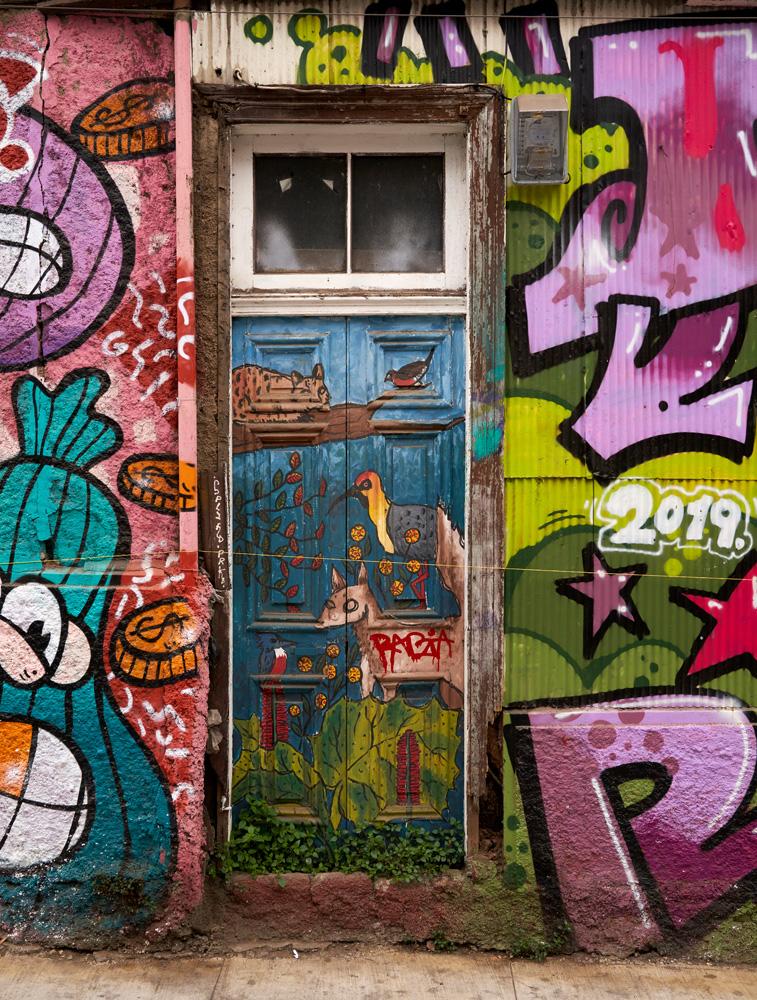 A door in Valparaiso