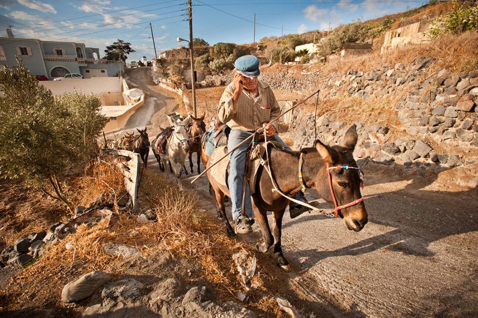 Distracted, Fira, Santorini