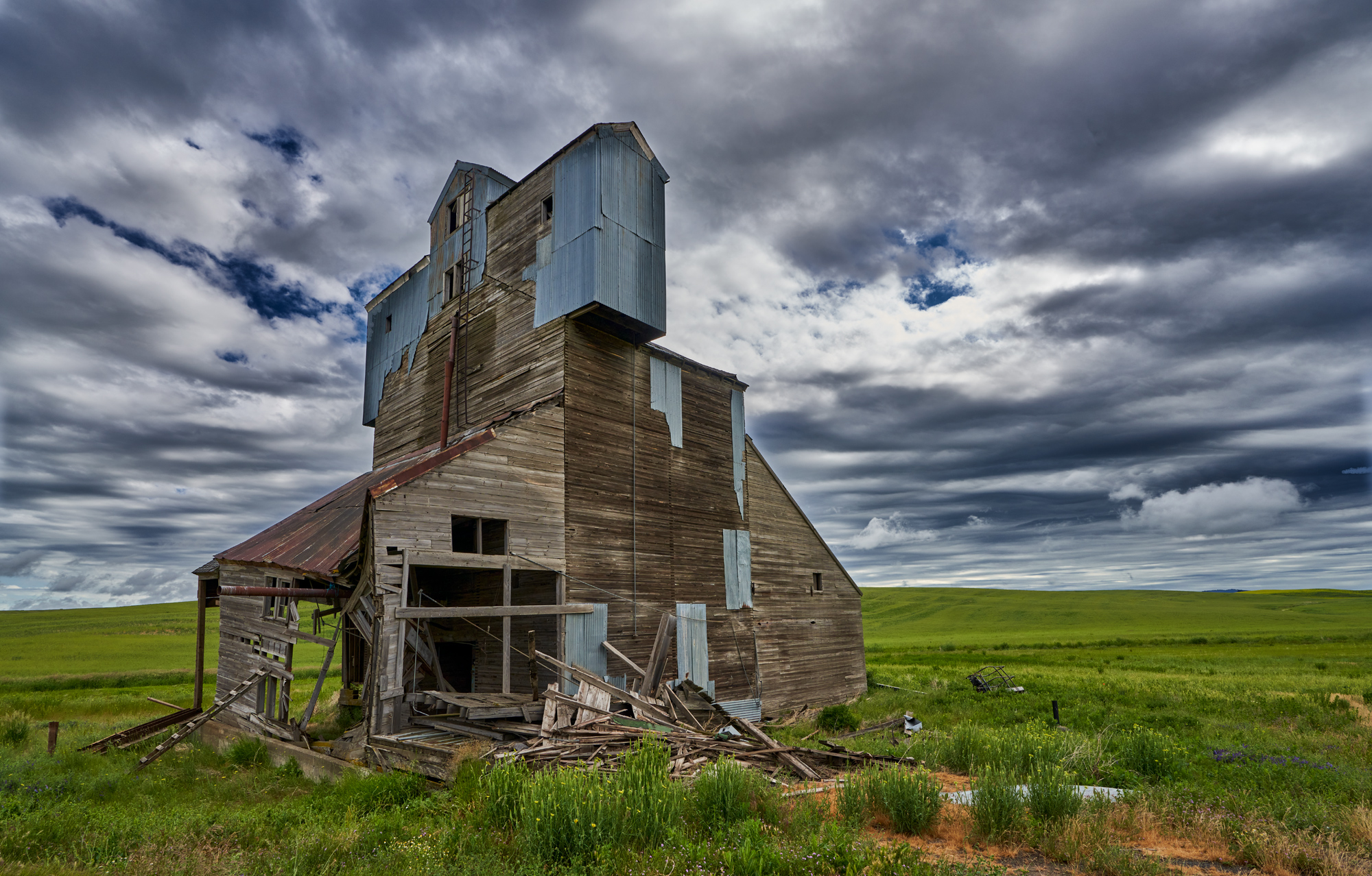 Grain Silo that has been decaying for years