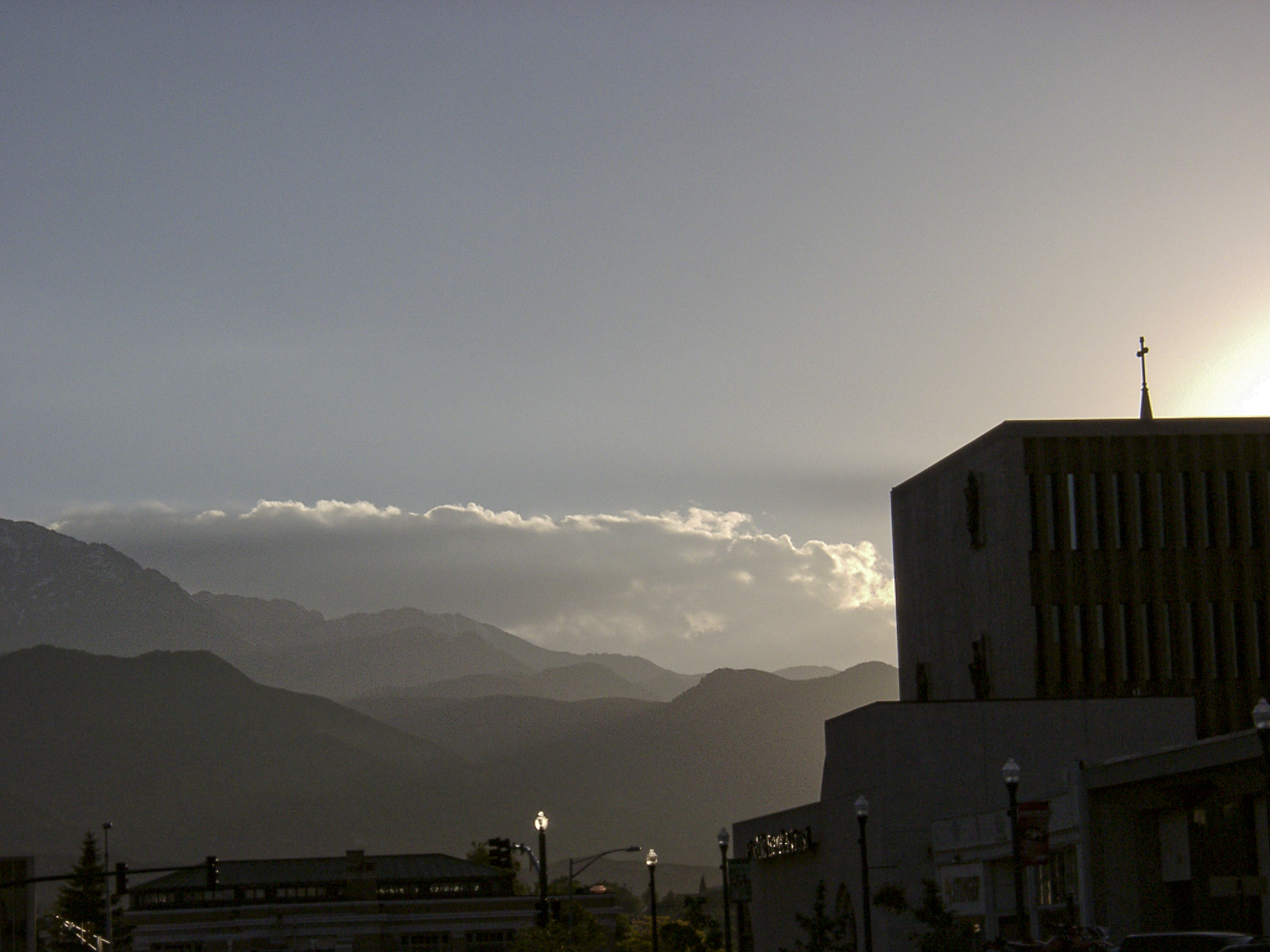 Dawn-and-the-Mountains