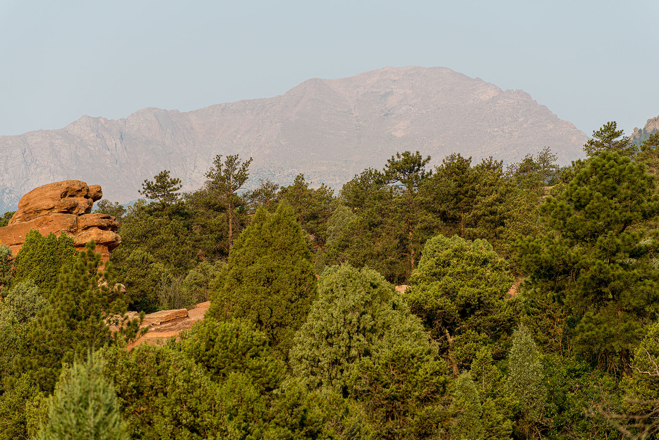 Pikes-Peak-from-Garden-of-the-Gods
