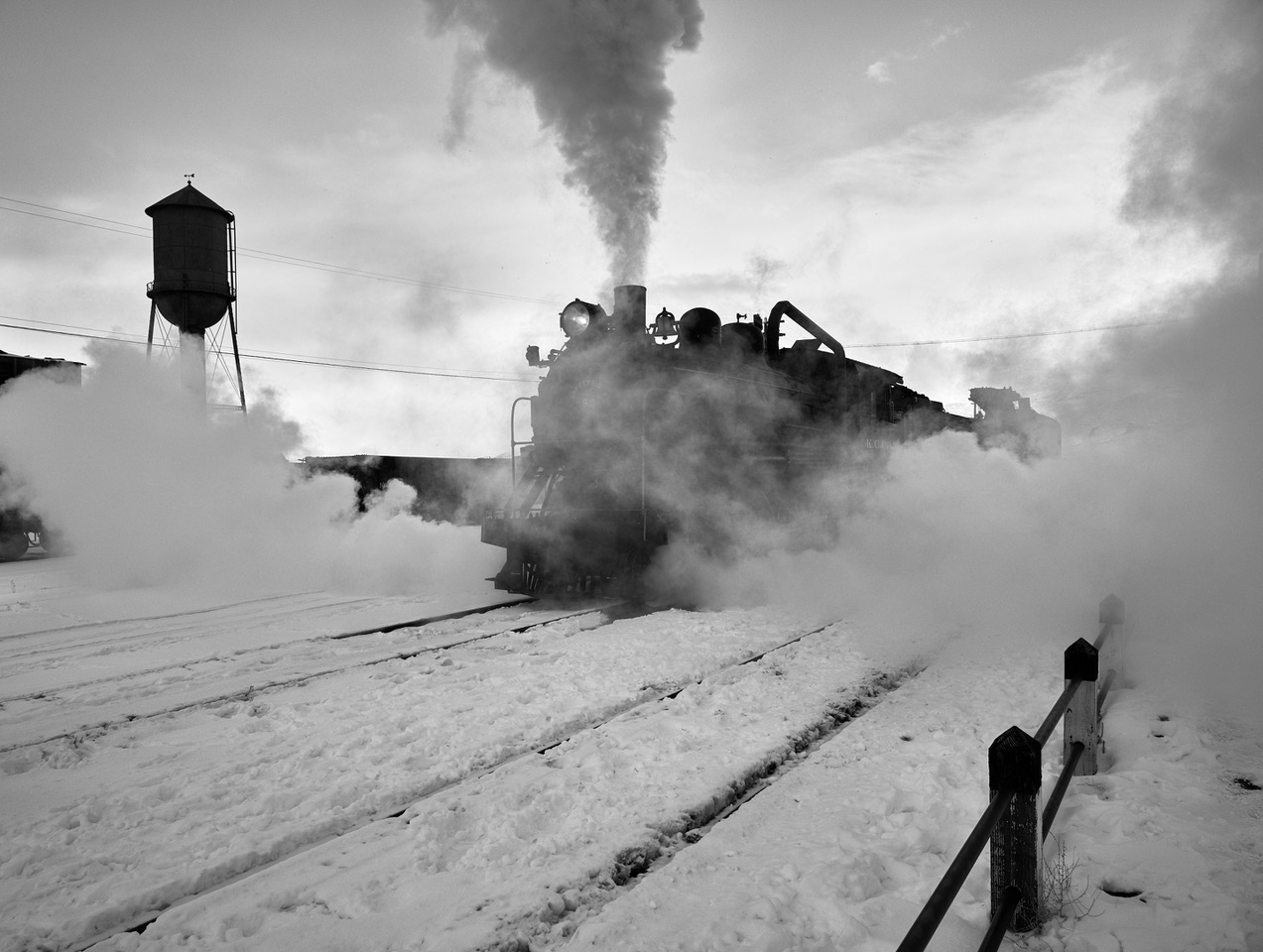 FUJI 50R STEAM ENGINES IN THE COLD OF WINTER