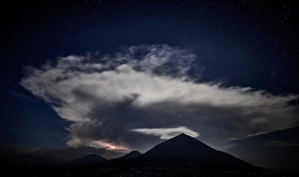 Lightnings over MtMuhabura