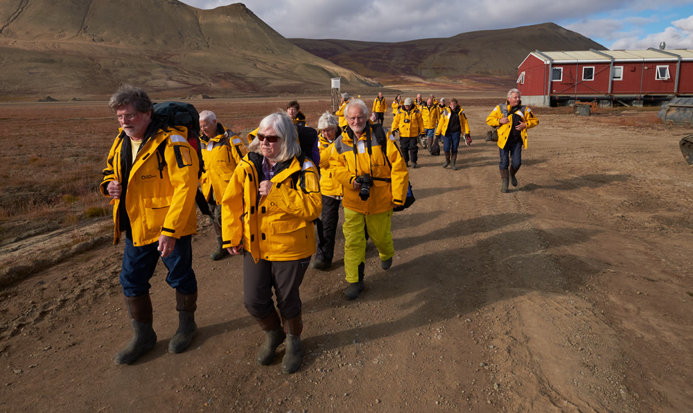 The march from the airport to the zodiacs