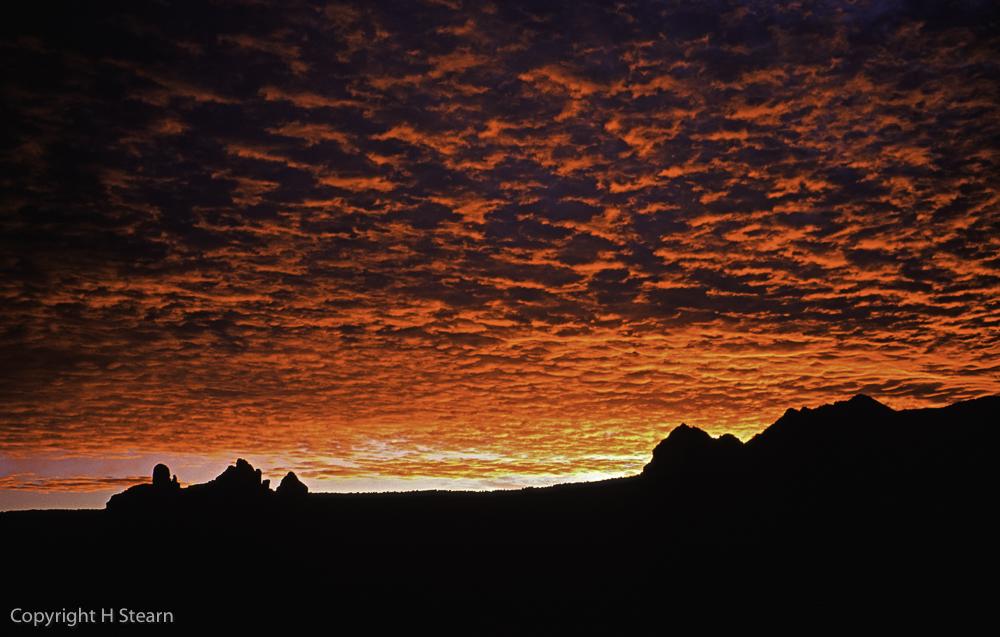 Brilliant sunrise over the Mogollon Rim