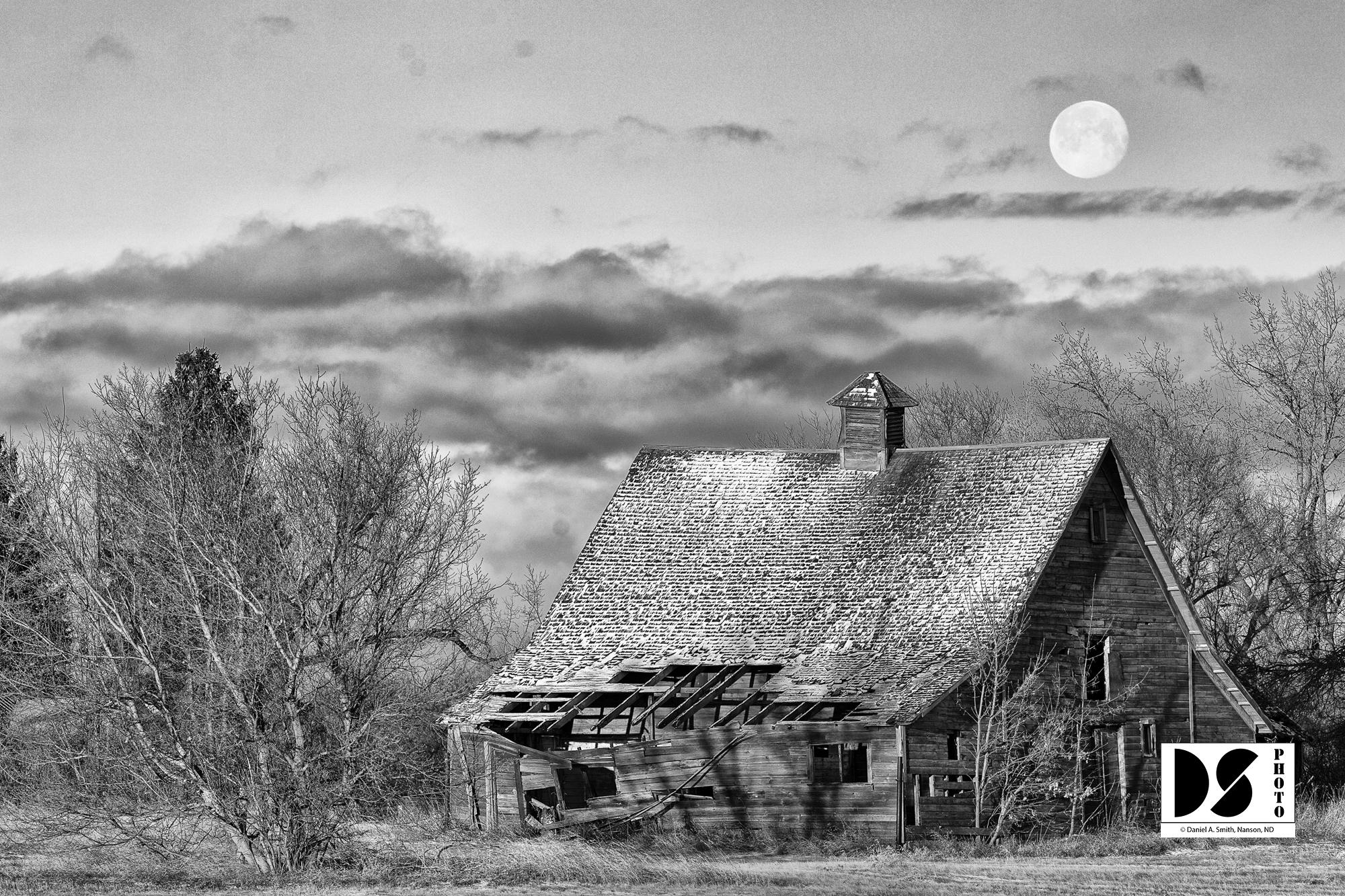 Moonset, North Dakota ©2020 Daniel A. Smith