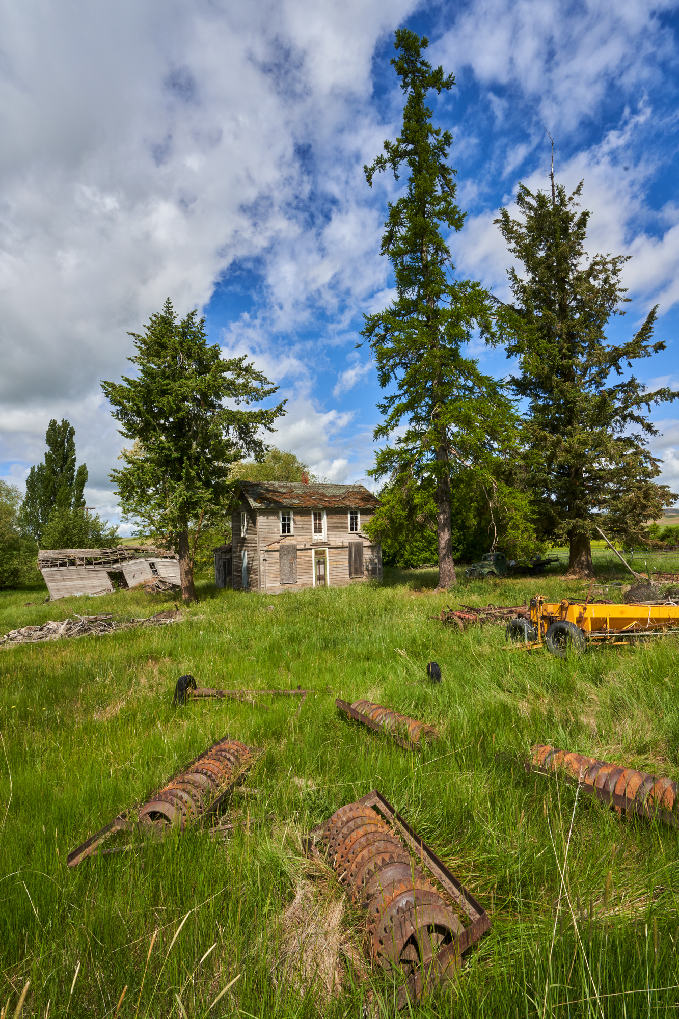 Abandoned houses are all over the Palouse. This is one.